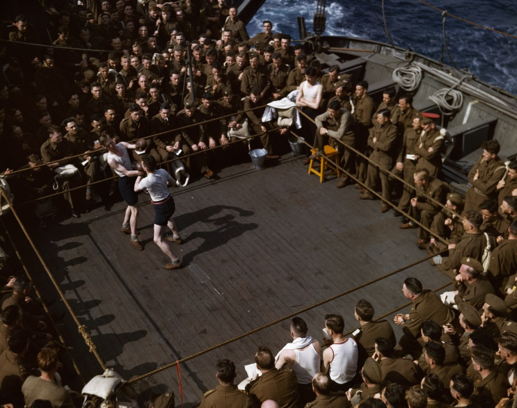 9. Capa_British soldiers watching a wrestling match on a troop ship from England to N. Africa